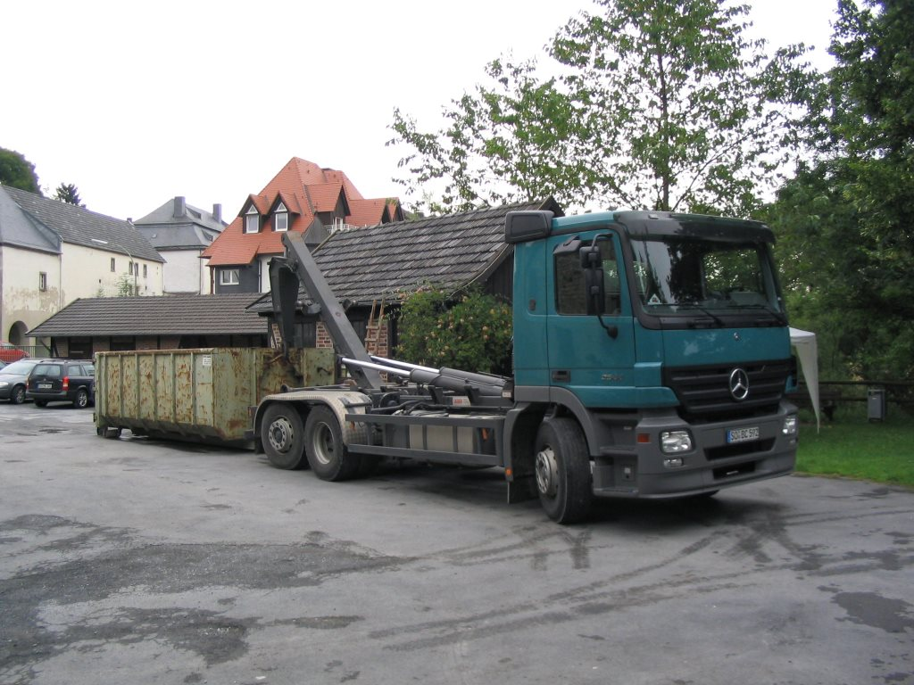 1. Anlieferung des Brettfallhammers im Juli 2005
